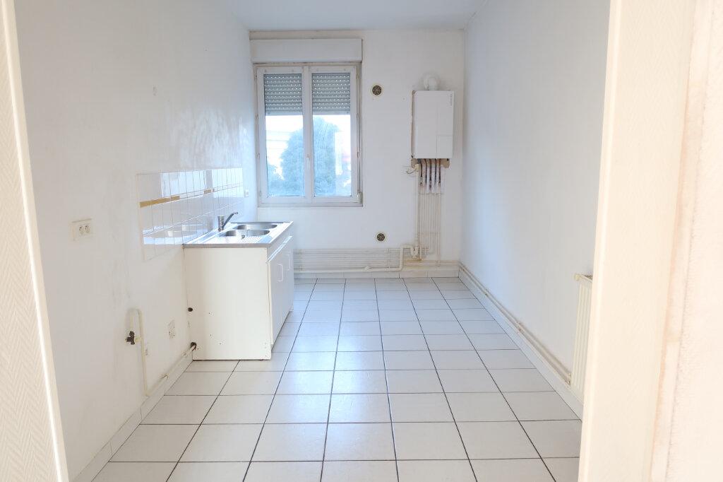 Appartement à louer 2 53m2 à Saint-Quentin vignette-3