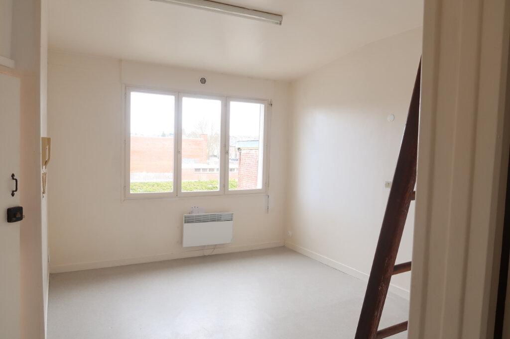 Appartement à louer 1 21.75m2 à Saint-Quentin vignette-1