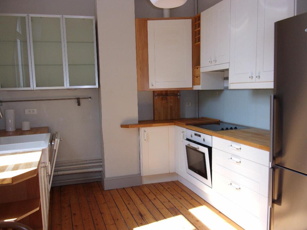 Appartement à louer 3 94.72m2 à Saint-Quentin vignette-2