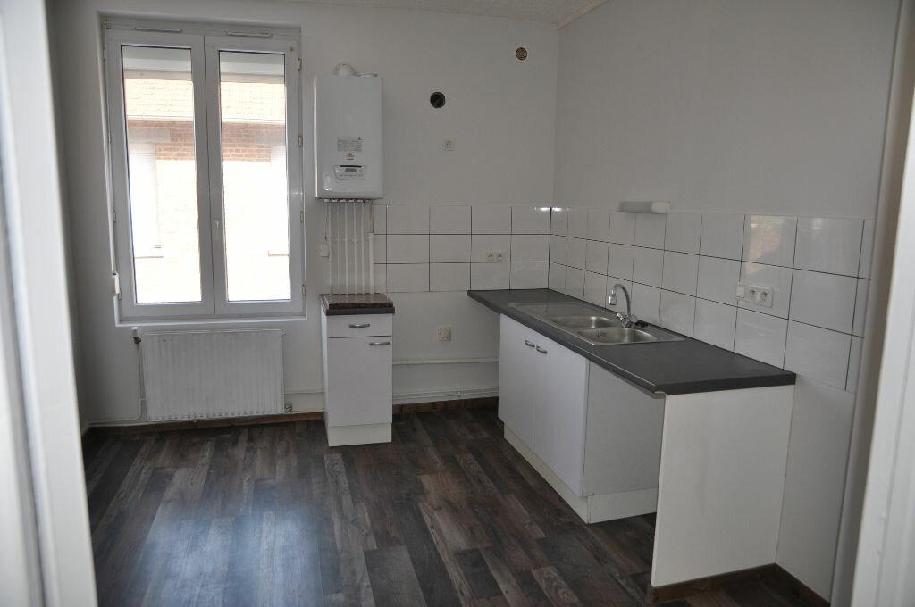 Appartement à louer 3 56.57m2 à Saint-Quentin vignette-1