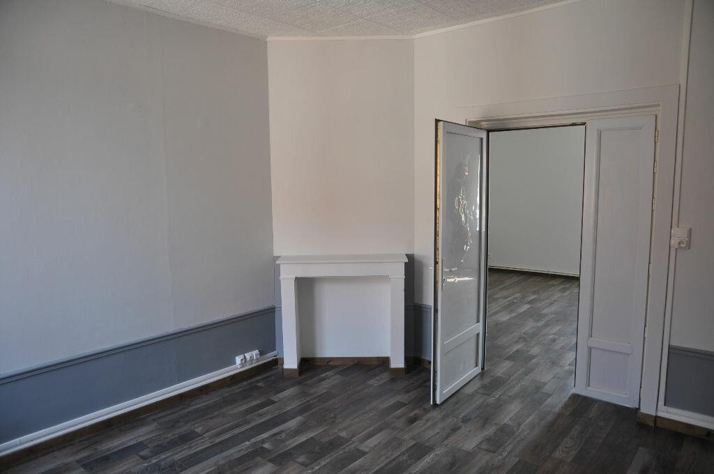 Appartement à louer 3 56.57m2 à Saint-Quentin vignette-2