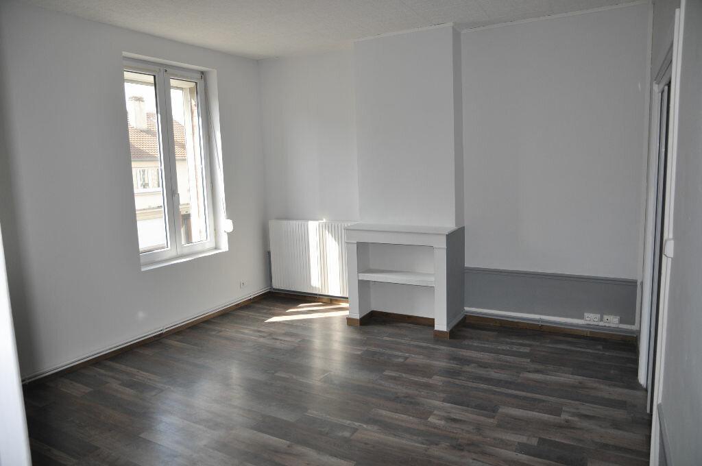 Appartement à louer 3 56.57m2 à Saint-Quentin vignette-4