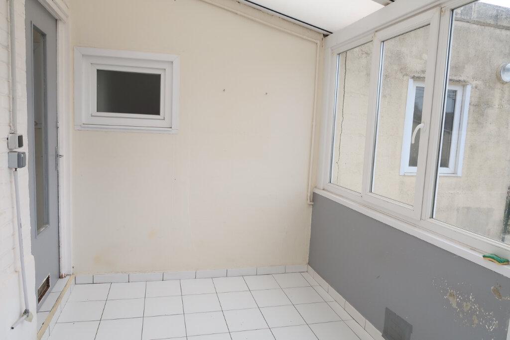 Maison à louer 3 75m2 à Saint-Quentin vignette-2