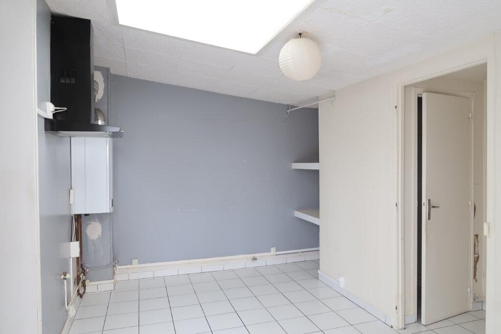 Maison à louer 3 75m2 à Saint-Quentin vignette-3