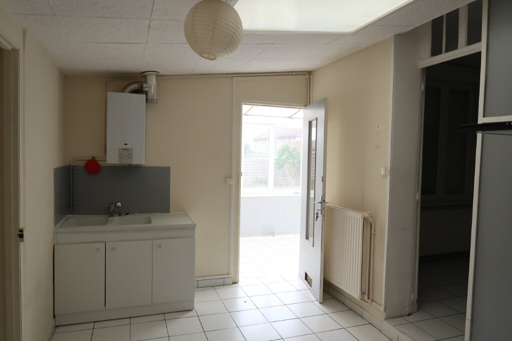 Maison à louer 3 75m2 à Saint-Quentin vignette-4