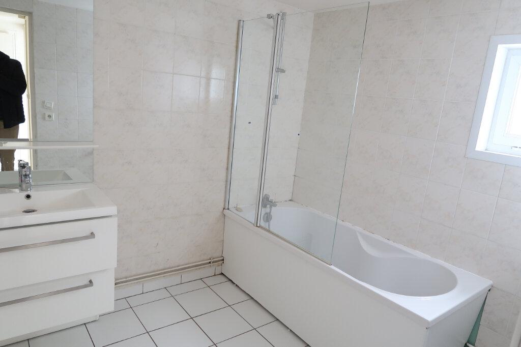 Maison à louer 3 75m2 à Saint-Quentin vignette-5