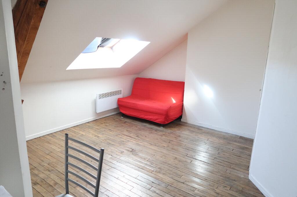 Appartement à louer 1 12m2 à Saint-Quentin vignette-1