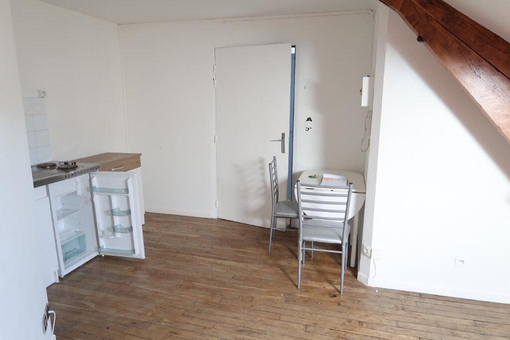 Appartement à louer 1 12m2 à Saint-Quentin vignette-4