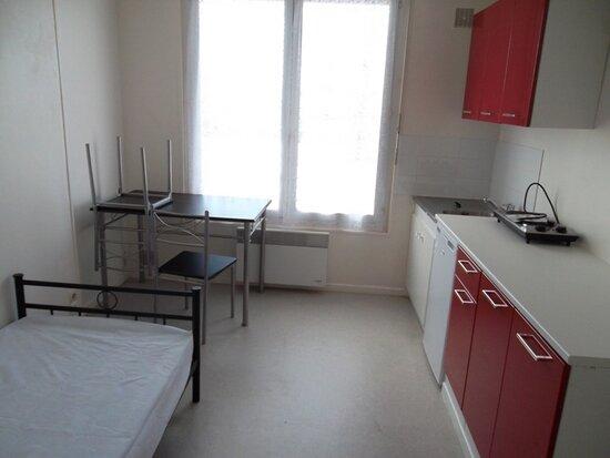 Appartement à louer 1 16.89m2 à Saint-Quentin vignette-2