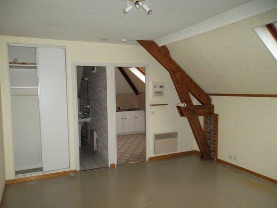 Appartement à louer 1 30m2 à Saint-Quentin vignette-1