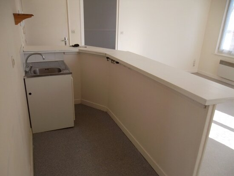 Appartement à louer 3 59.32m2 à Saint-Quentin vignette-2
