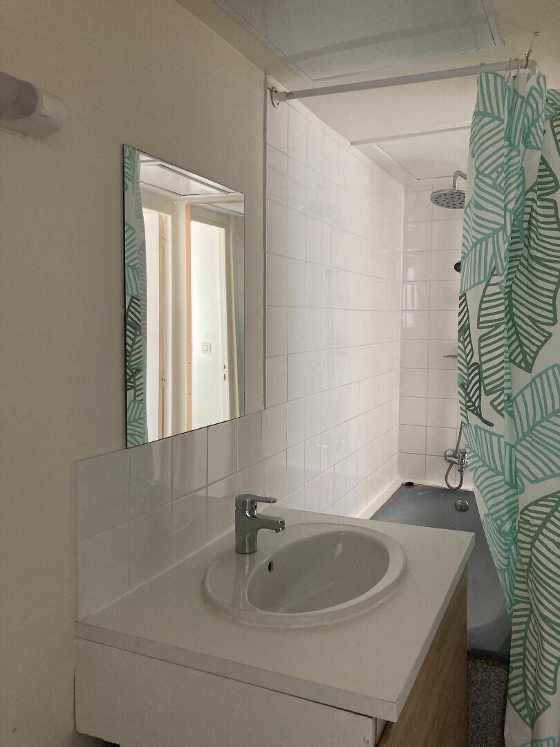 Appartement à louer 3 59.32m2 à Saint-Quentin vignette-6