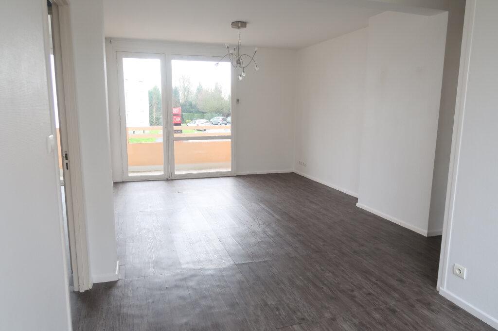 Appartement à louer 4 66m2 à Saint-Quentin vignette-1