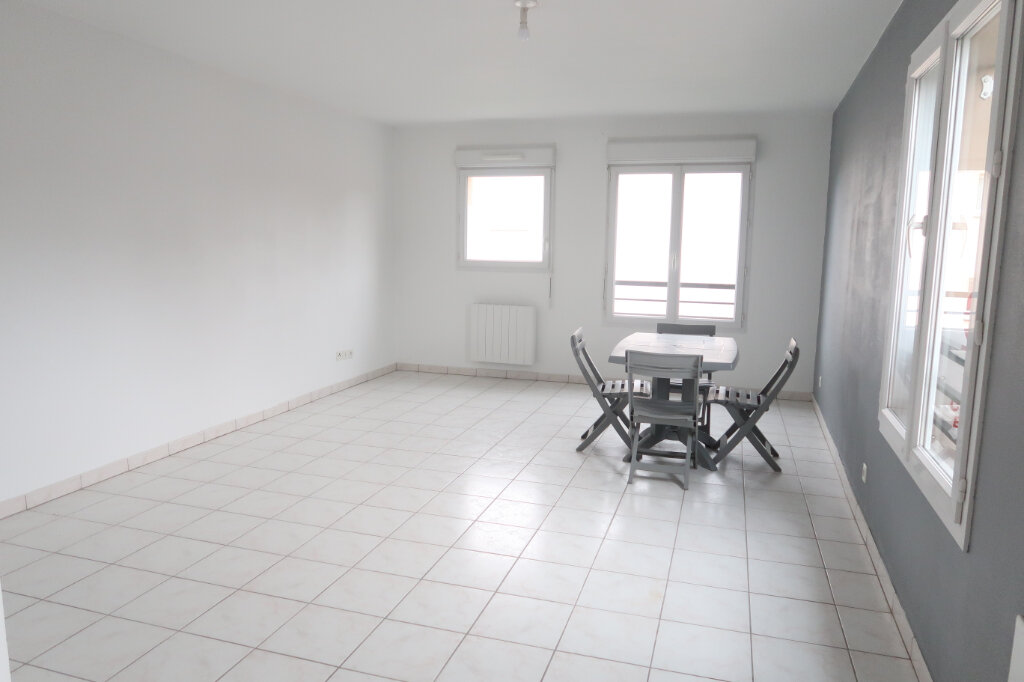 Appartement à louer 2 49.97m2 à Saint-Quentin vignette-1