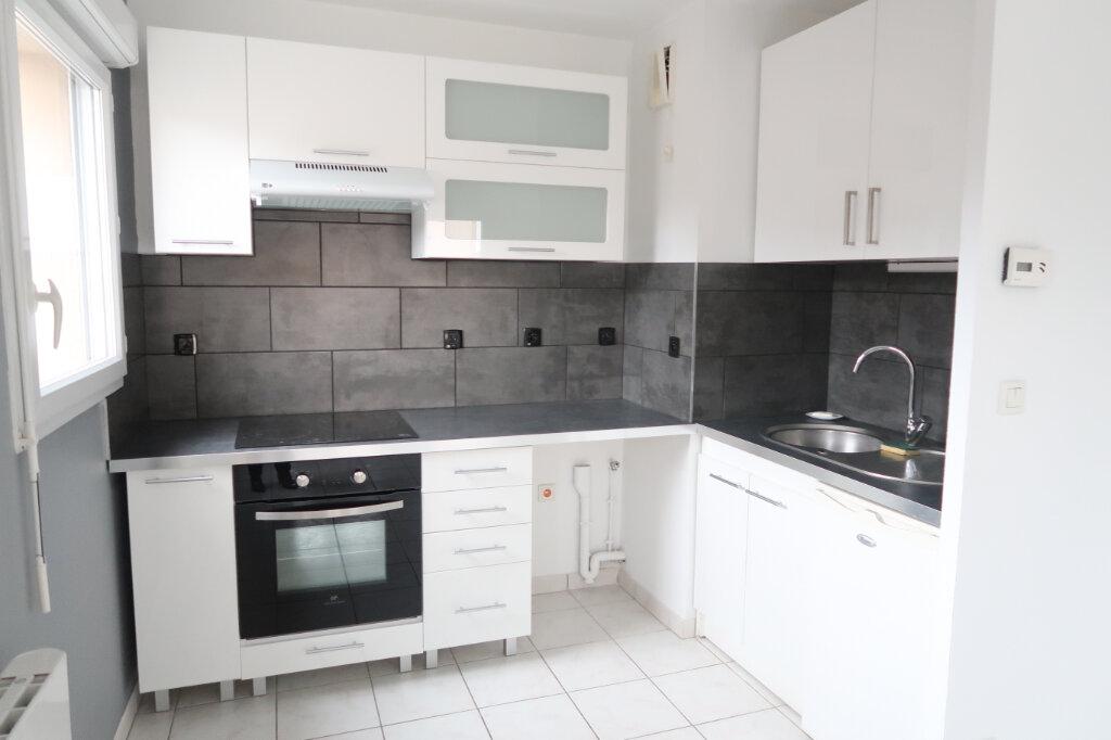 Appartement à louer 2 49.97m2 à Saint-Quentin vignette-3