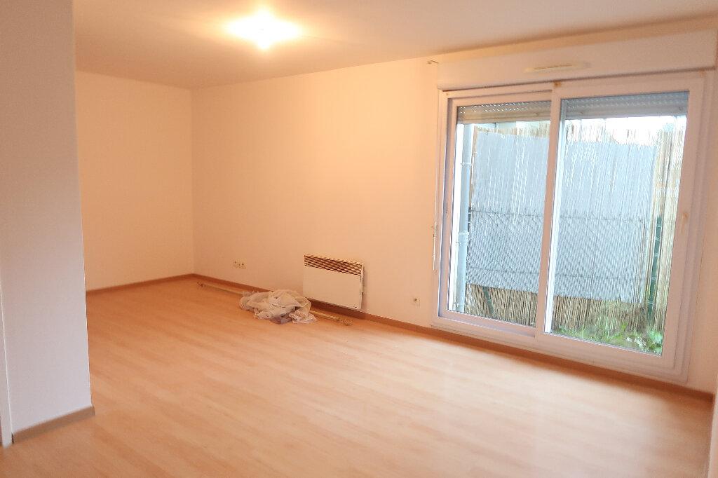 Appartement à louer 3 50m2 à Saint-Quentin vignette-2