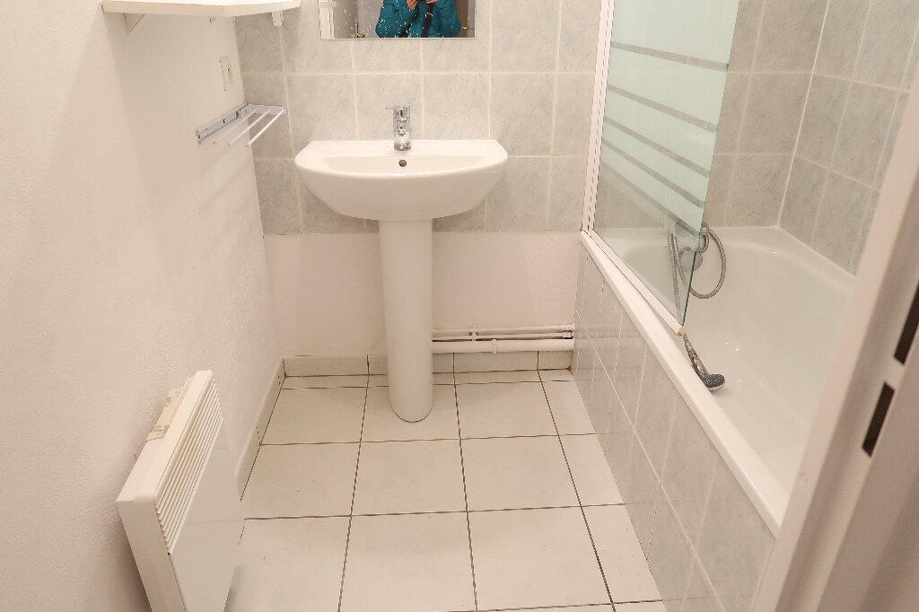 Appartement à louer 3 50m2 à Saint-Quentin vignette-4