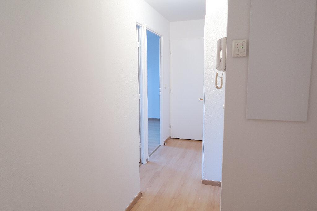 Appartement à louer 3 50m2 à Saint-Quentin vignette-5