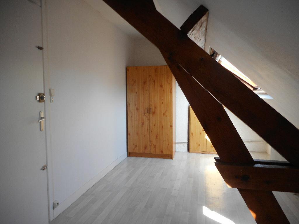 Appartement à louer 2 32m2 à Amiens vignette-4