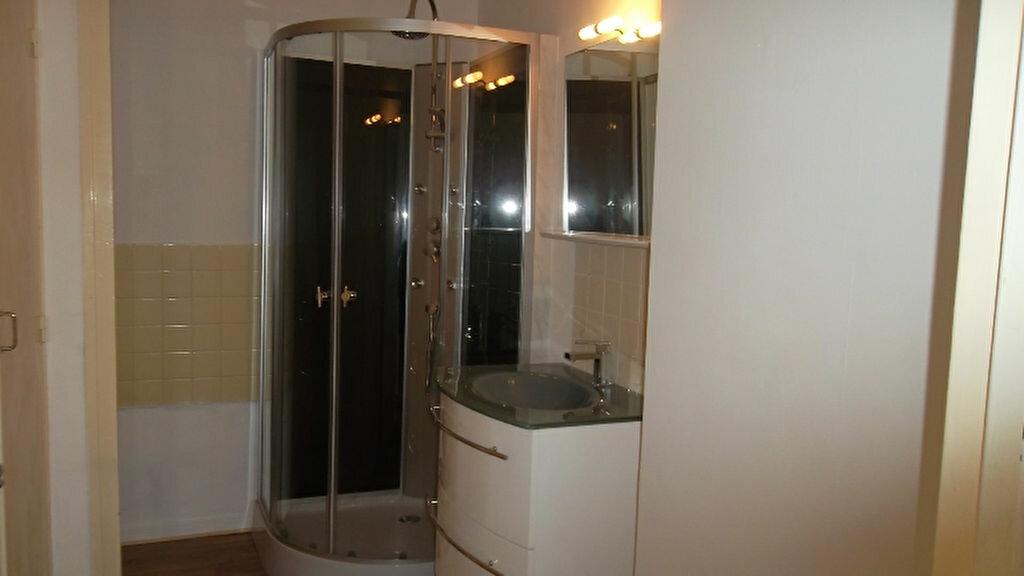 Appartement à louer 4 90m2 à Saint-Quentin vignette-4