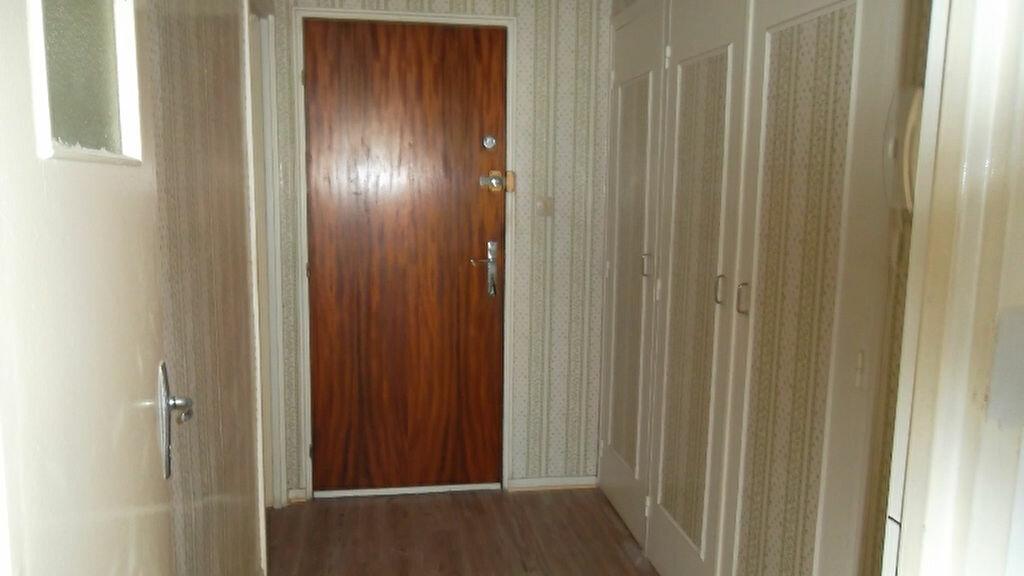 Appartement à louer 4 90m2 à Saint-Quentin vignette-5