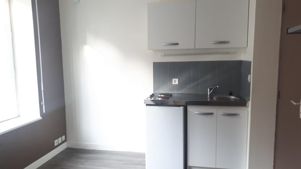 Appartement à louer 1 12m2 à Amiens vignette-1