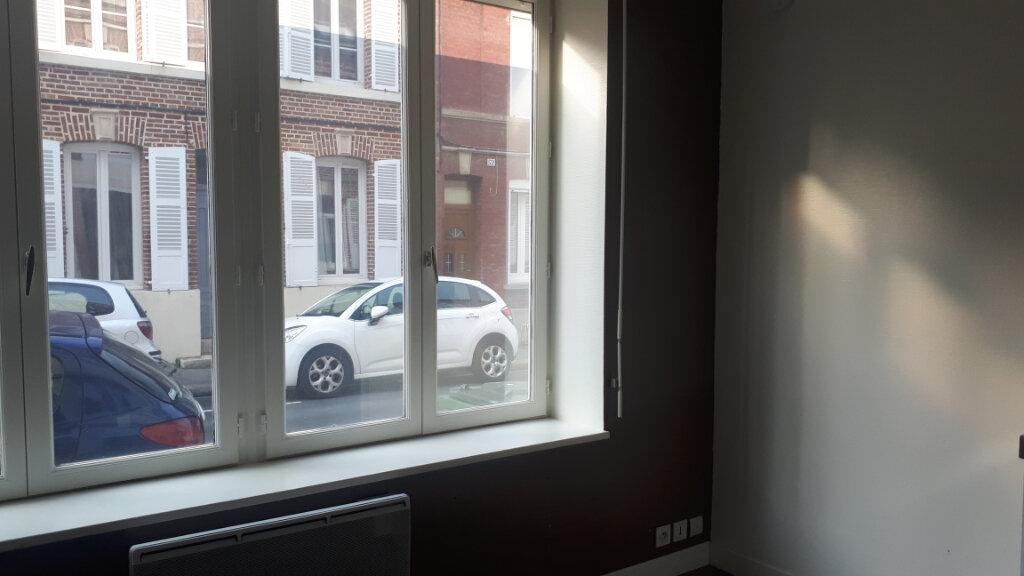 Appartement à louer 1 12m2 à Amiens vignette-3