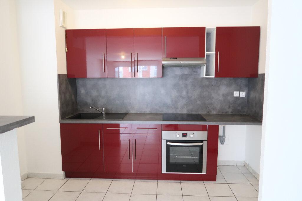 Appartement à louer 3 71.41m2 à Saint-Quentin vignette-1