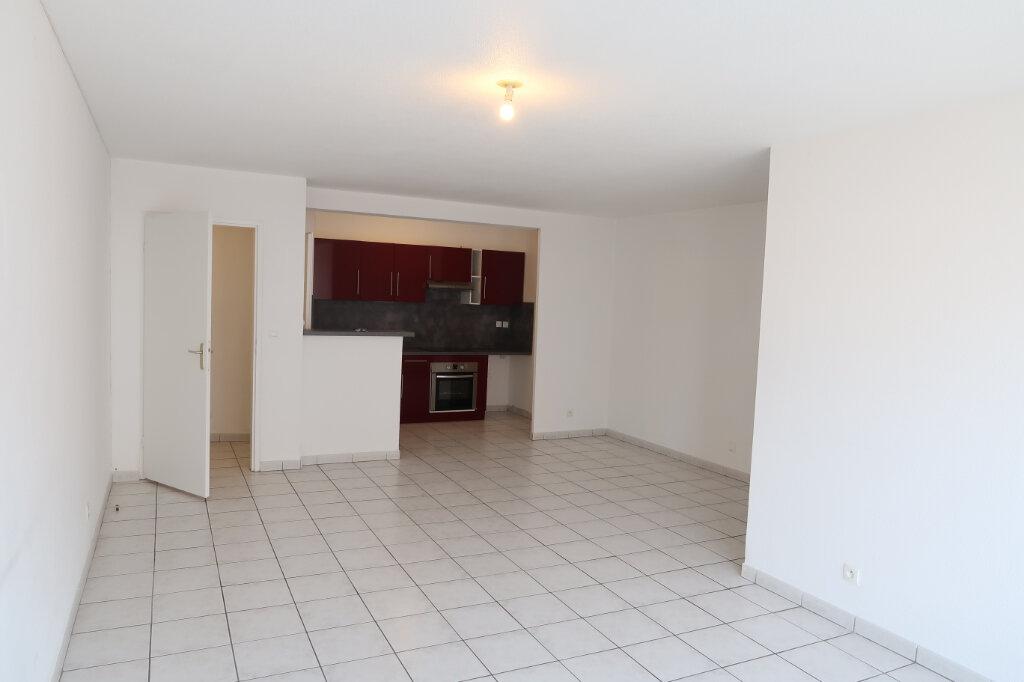 Appartement à louer 3 71.41m2 à Saint-Quentin vignette-3