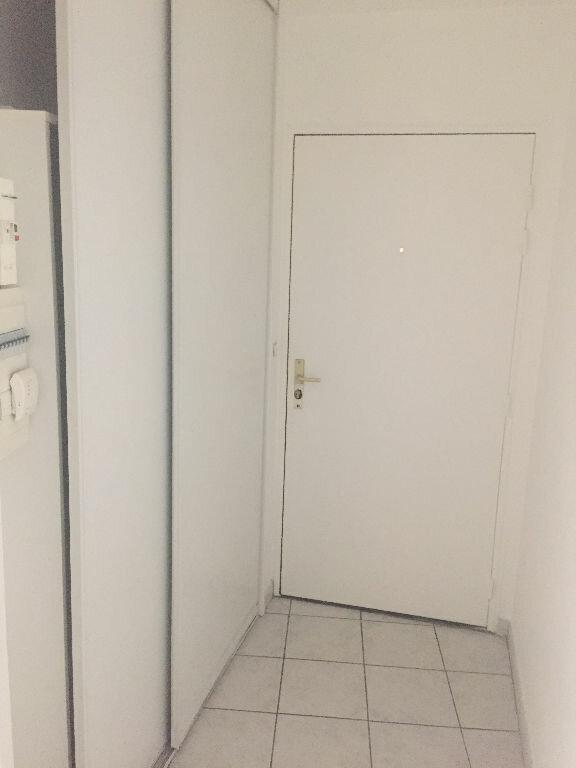 Appartement à louer 3 71.41m2 à Saint-Quentin vignette-7