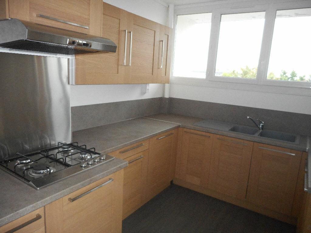 Appartement à louer 3 65m2 à Amiens vignette-5