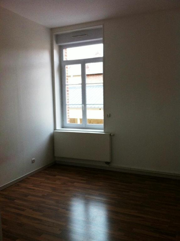 Appartement à louer 4 115m2 à Saint-Quentin vignette-5