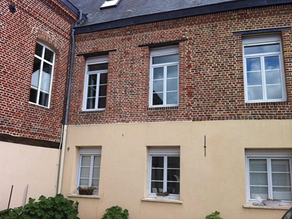 Appartement à louer 4 115m2 à Saint-Quentin vignette-9