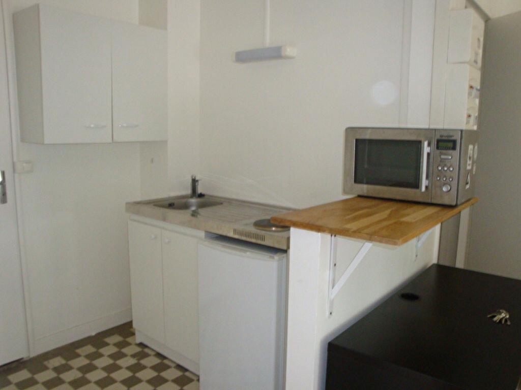 Appartement à louer 1 19m2 à Amiens vignette-3