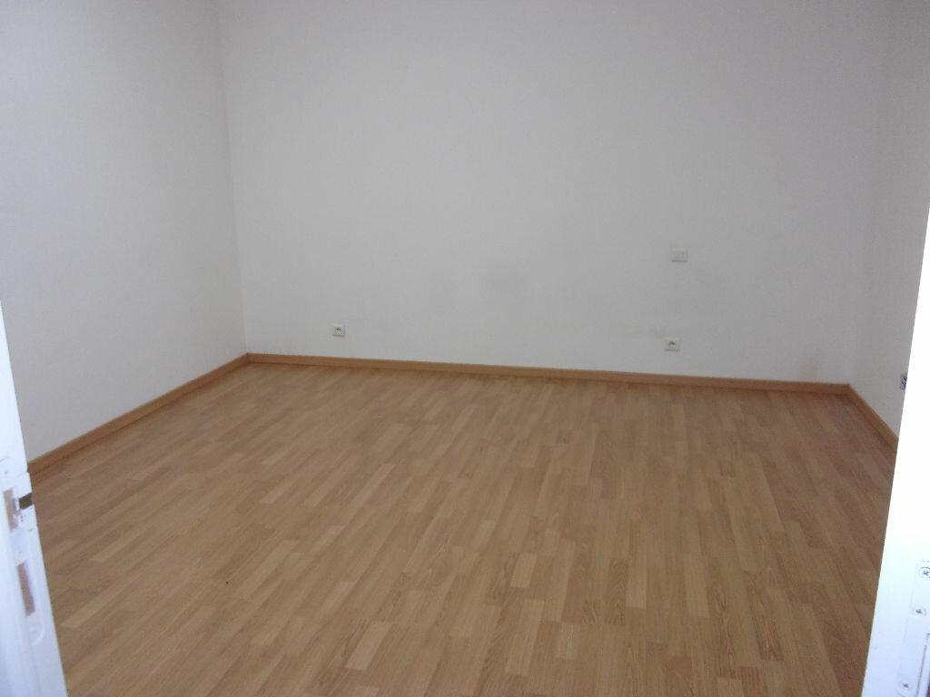 Appartement à louer 2 48.5m2 à Saint-Quentin vignette-2