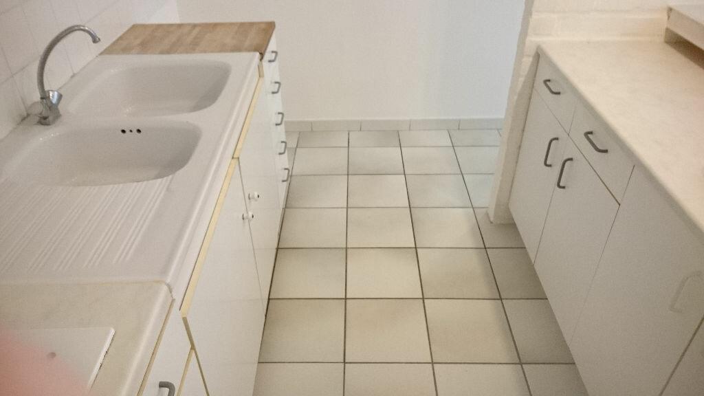 Appartement à louer 2 56m2 à Saint-Quentin vignette-4