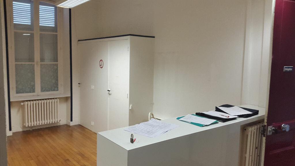 Appartement à louer 4 125m2 à Laon vignette-5