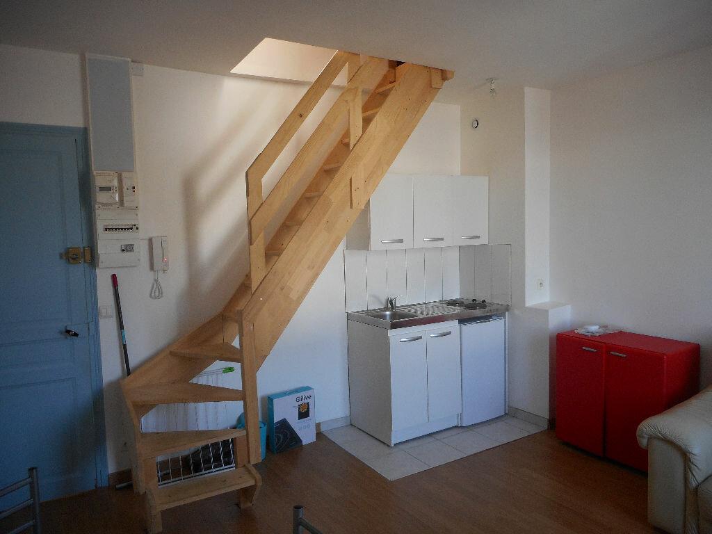 Appartement à louer 2 26.4m2 à Amiens vignette-1