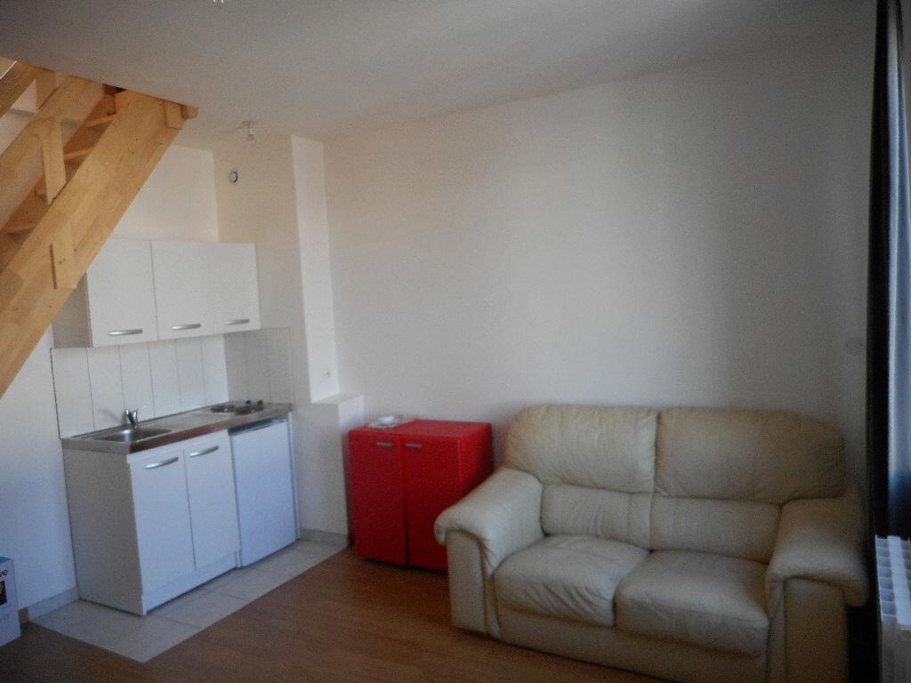 Appartement à louer 2 26.4m2 à Amiens vignette-2