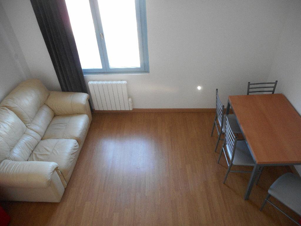 Appartement à louer 2 26.4m2 à Amiens vignette-8
