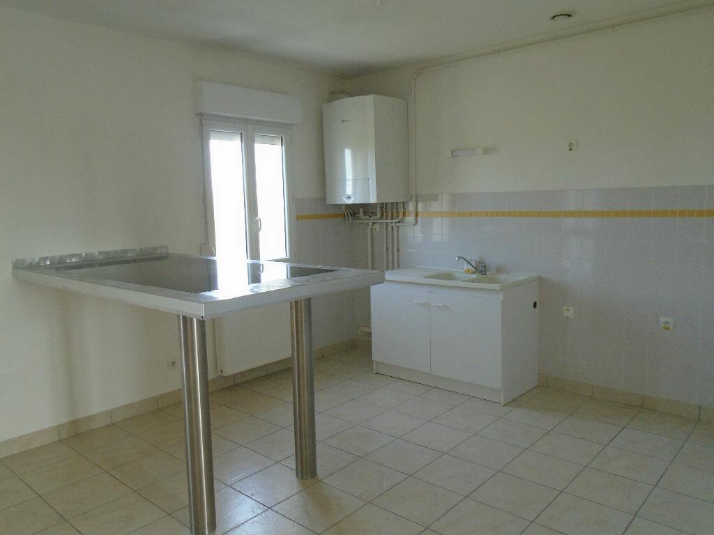 Appartement à louer 3 72m2 à Beautor vignette-1