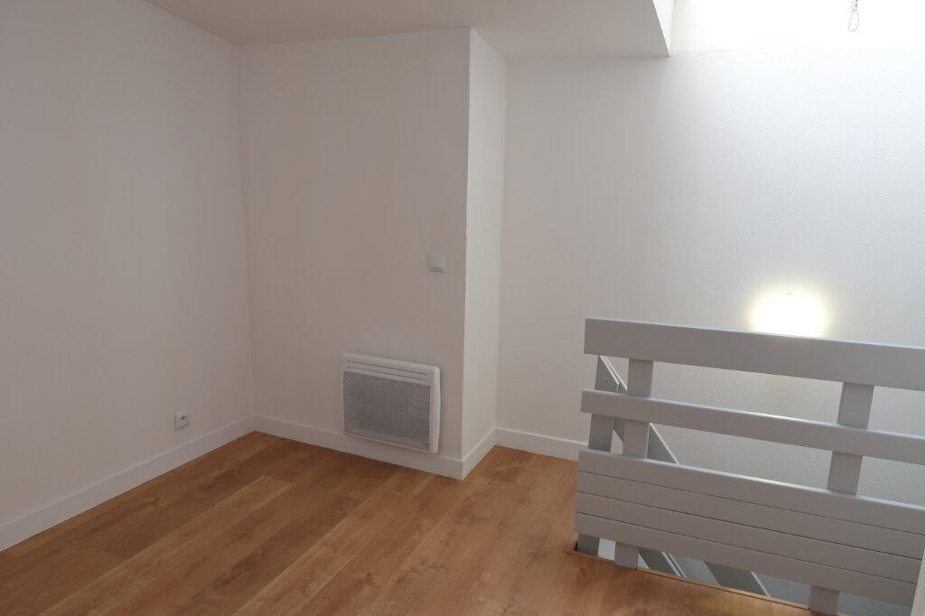 Appartement à louer 2 28m2 à Amiens vignette-3