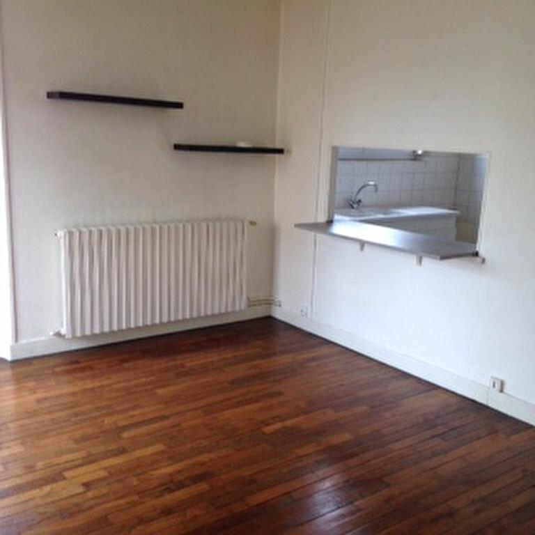 Appartement à louer 3 47.5m2 à Laon vignette-2