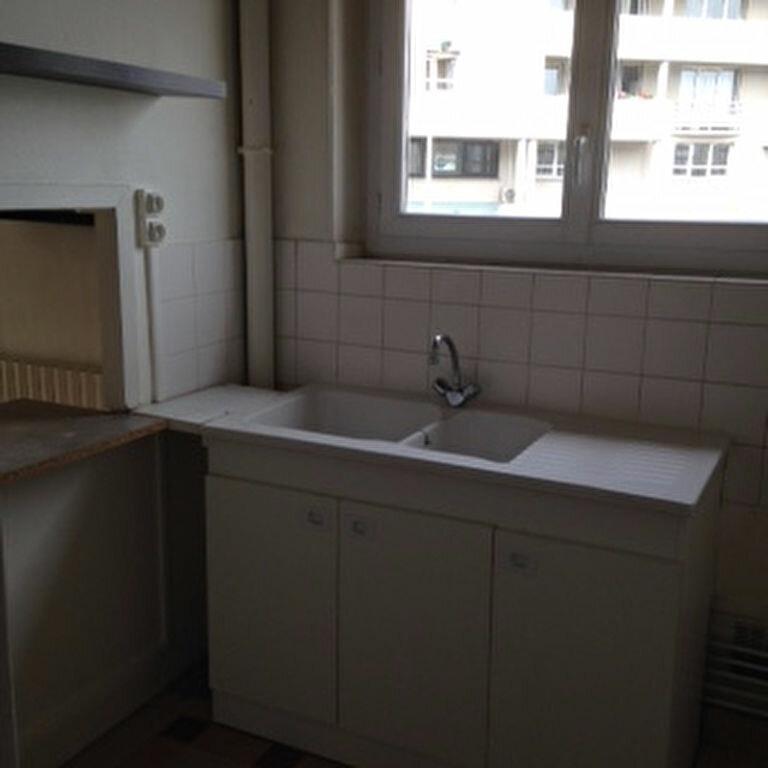 Appartement à louer 3 47.5m2 à Laon vignette-3