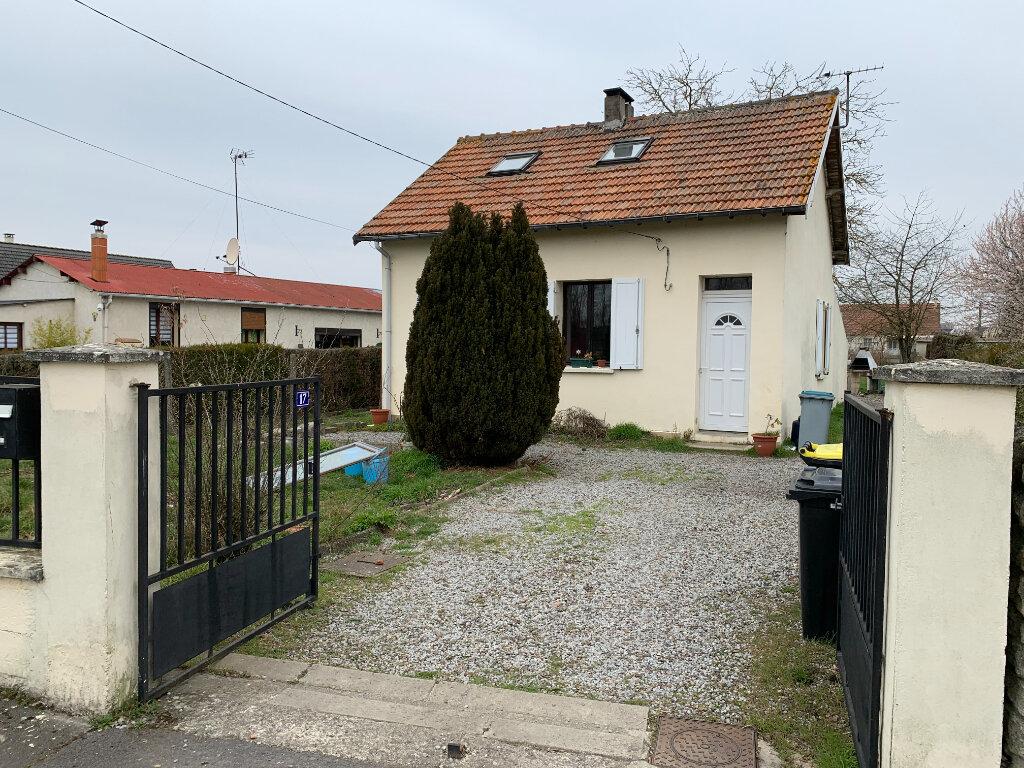 Maison à louer 4 66m2 à Beautor vignette-2