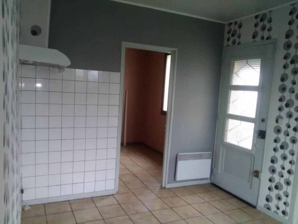 Maison à louer 4 66m2 à Beautor vignette-8