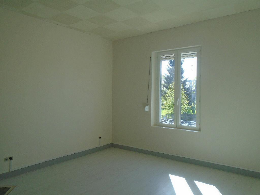 Appartement à louer 2 63.95m2 à Tergnier vignette-2
