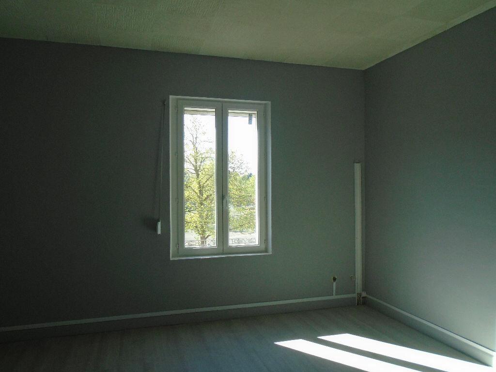 Appartement à louer 2 63.95m2 à Tergnier vignette-3