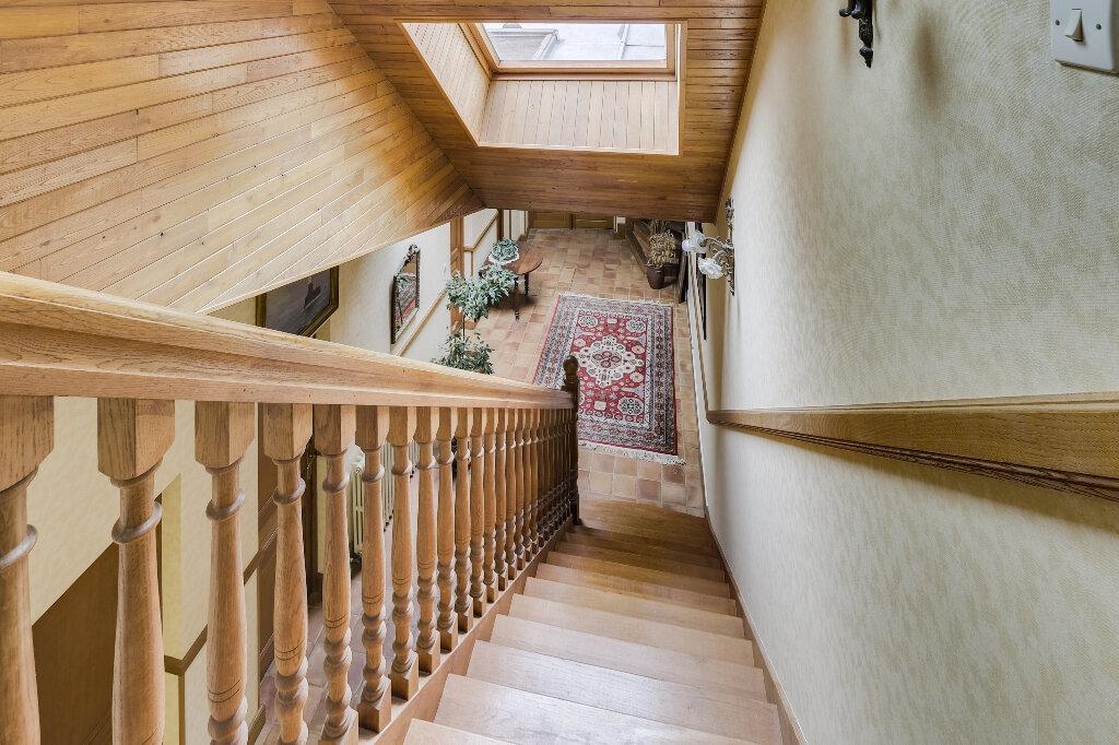 Maison à vendre 9 222m2 à Saint-Quentin vignette-6