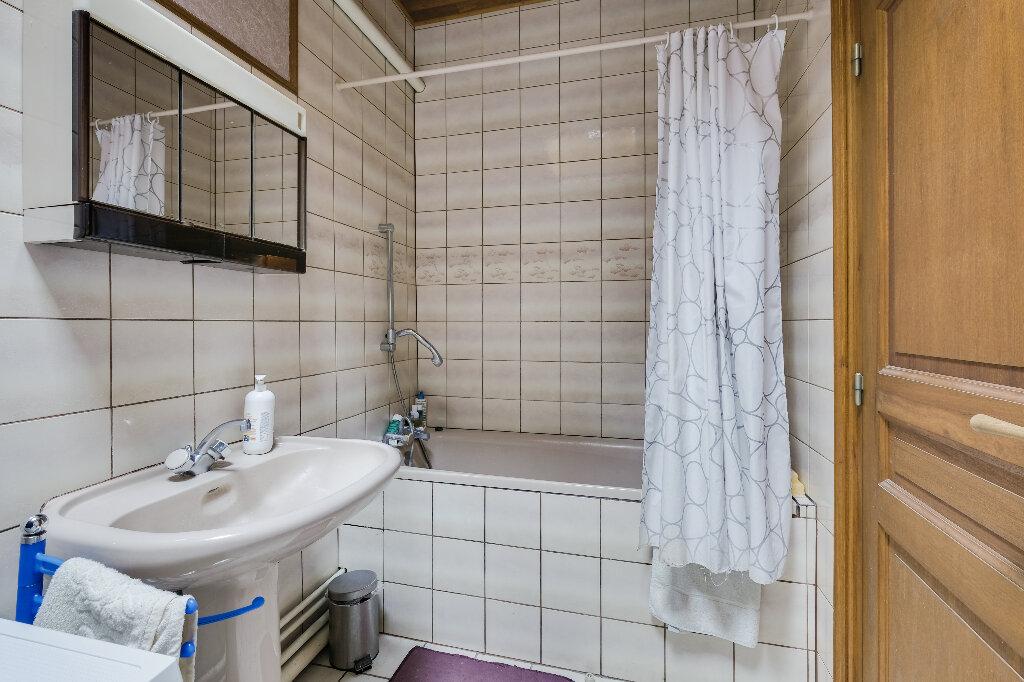 Maison à vendre 9 222m2 à Saint-Quentin vignette-11